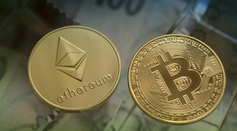 Bitcoin ed Ethereum aumentano e le Altcoin si riprendono